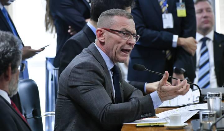 O senador Fabiano Contarato (Rede-ES) durante audiência na CCJ na última quarta-feira. GERALDO MAGELA AG. SENADO