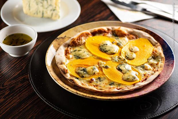 A pizza de Manga com gorgonzola, que sai a R$24 na Salsa Pizzaria