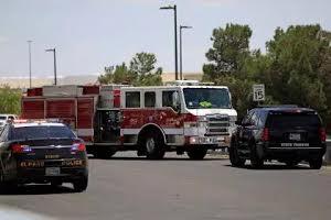 Polícia chega ao local do crime em El Paso, Texas (Jorge Salgado/Reuters)