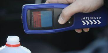 Detran do DF testa bafômetro que detecta drogas; equipamento ainda não é regulamentado