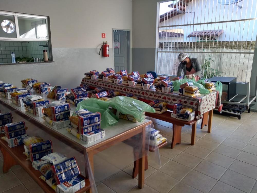 Aracruz -Prefeitura distribui mais 5500 kits de merenda aos alunos da rede municipal