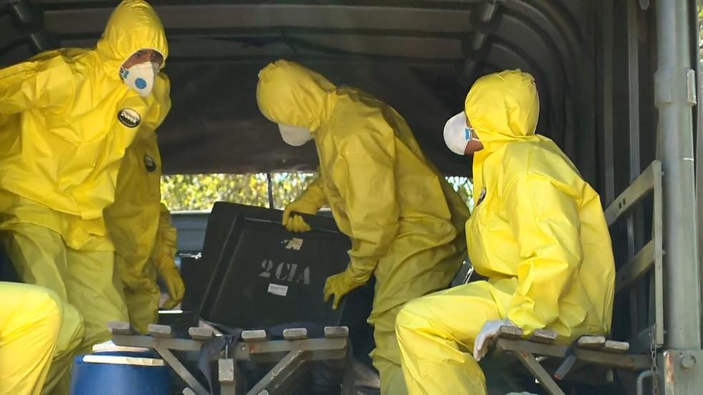 """Fundão - Exército está nos ajudando a combater o coronavírus"""", afirma o prefeito Pretinho Nunes"""