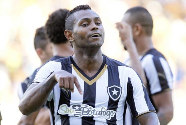 Jobson, ex-Botafogo, volta à prisão por determinação judicial