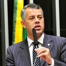 Evair de Melo propôs emenda que garantiu a todos os produtores capixabas direito a renegociação das dívidas.