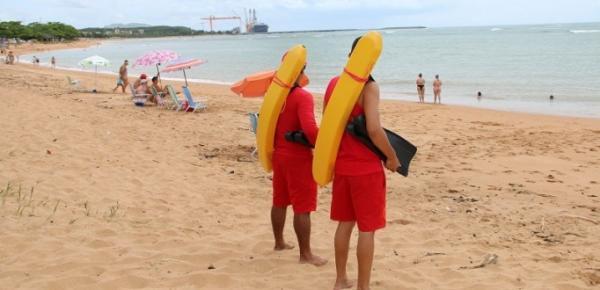 Aracruz - Mais de 50 guarda-vidas atuando no litoral