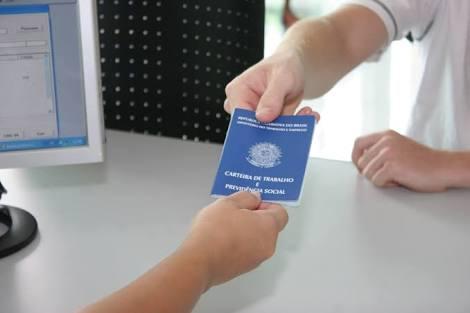 Aracruz - SINE oferece vagas de emprego de motorista e cobrador