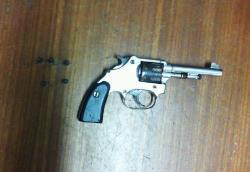 Aracruz - Polícia Militar apreende arma de fogo e drogas no fim de semana