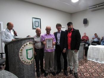 Prefeito de João Neiva,. Otávio Xavier,  o Secretário Allan Dantas e o. Secretário Marcelo Oliveira