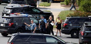 Cinco mortes confirmadas após tiroteio em jornal nos Estados Unidos