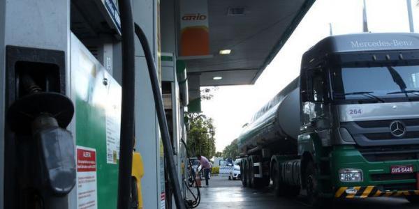 Petrobras reajusta gasolina em 0,9% nas refinarias