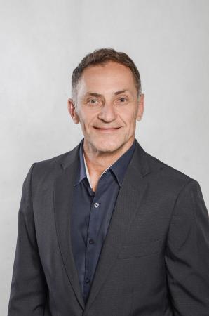 Aracruz - Ademar Devens registra candidatura a deputado estadual