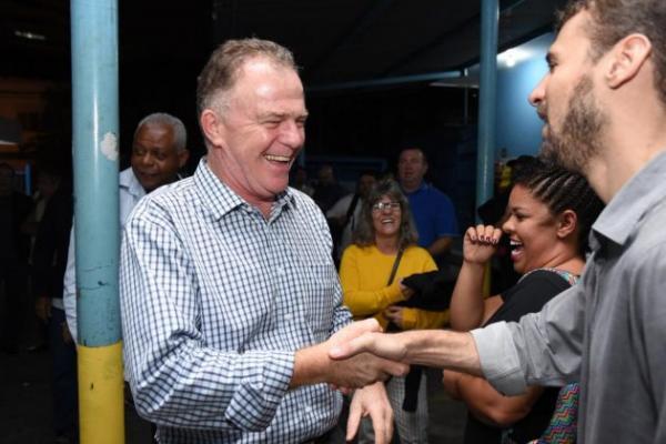 Casagrande (PSB) é líder em pesquisa eleitoral, com 54% dos votos