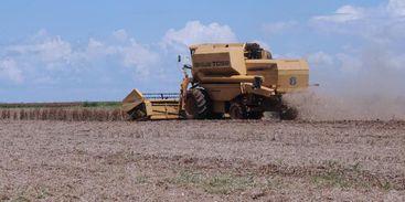 Produtores conhecem novas tecnologias para o agronegócio