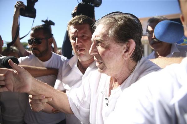 João de Deus entrega-se à polícia em área rural de Abadiânia