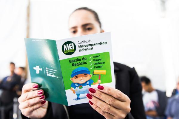 Contribuição mensal do microempreendedor individual é reajustada
