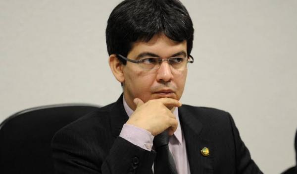 APÓS EXONERAÇÃO, OPOSIÇÃO 'CONVIDA' GUSTAVO BEBIANNO PARA DAR EXPLICAÇÕES NO SENADO