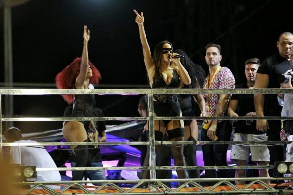 Anitta recebeu R$ 9 mil por cada minuto de show em Aracati