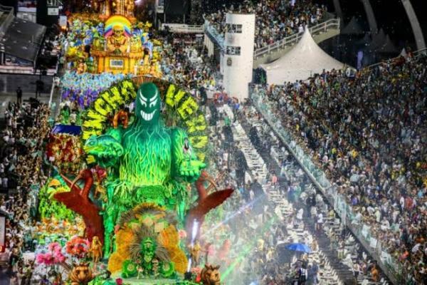 Mancha Verde vence o carnaval de São Paulo