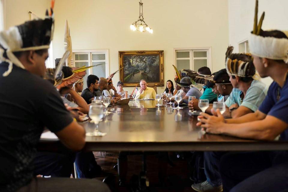Reunião de indígenas com o governador Renato Casagrande